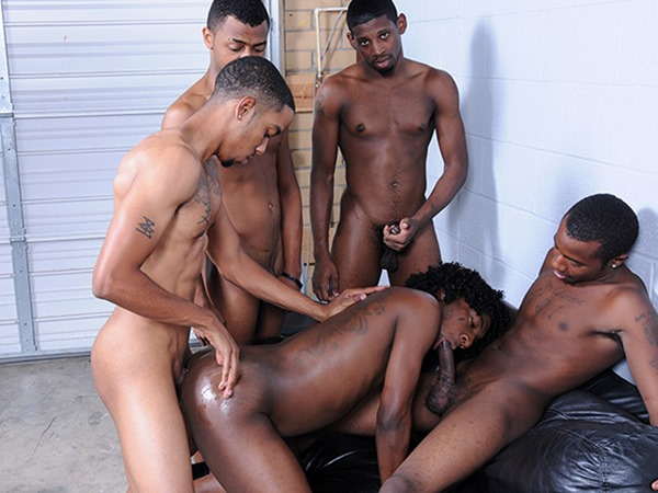 thug orgy busy sucking cock